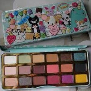 Too Faced Clover LE palette